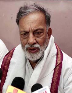 NPP leader Prof Bhim Singh addressing press conference in Jammu. -Excelsior/ Rakesh