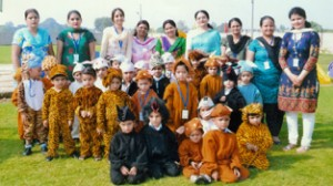 Winners of Fancy Dress Competition of Jammu Sanskriti School posing