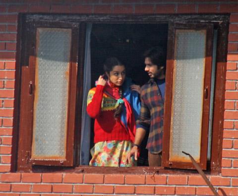 Shahid Kapoor Begins Shooting For Haider In Kashmir