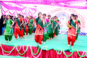 Students presenting cultural item during Annual function by BBN High School of Intellectuals at Vijaypur on Saturday. -Excelsior/Gautam