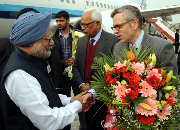 Prime Minister Dr Manmohan Singh being received by Governor N N Vohra and Chief Minister Omar Abdullah at Technical Airport, Jammu on Sunday. Another pic on page 9.