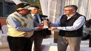 Chief Minister Omar Abdullah felicitating golfer during a valedictory function of Golf Tournament in Jammu on Sunday.