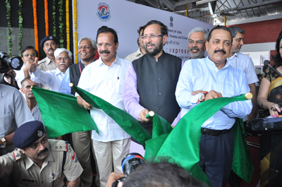 Minister of Railways Sadanand Gowda, Minister of Science & Technology Dr Jitendra Singh and Minister of Information & Broadcasting Prakash Javadekar flagging off 'Science Express' train from New Delhi on Monday.