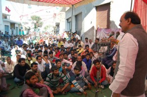 MLA Surjit Singh Slathia addressing poll rally at Rajwal on Thursday.—Excelsior/Gautam