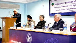 Dr Ashok Bhan delivering presidential remarks on conclusion of 2-day seminar by IIPA at Jammu on Tuesday.