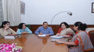 """Union Minister Dr Jitendra Singh interacting with a delegation of """"Parzor Foundation"""", a UNESCO associated registered organization devoted to the cause of coexistence of different cultures in India with special focus on Parsi community, at New Delhi."""