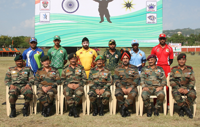 Captains of various teams posing for a group photograph alongwith GOC and other officers during opening ceremony of JHPCL in Jammu on Tuesday.
