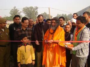 Swami Vishwatmanand Saraswati, HoD Cardiology Dr Sushil Sharma and HoD Nephorology Dr S K Bali inaugurating free Cardiac Camp in R S Pura on Sunday.