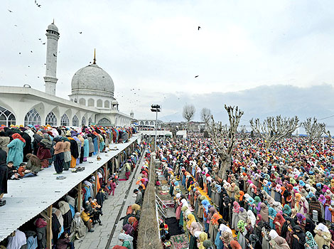 Eid Milad-un-Nabi celebrated in Kashmir