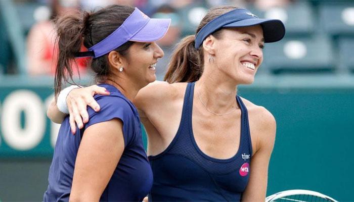 Martina Hingis joins Sania Mirza atop WTA rankings