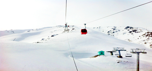 A view of fresh snowfall in Gulmarg on Friday. -An Excelsior picture