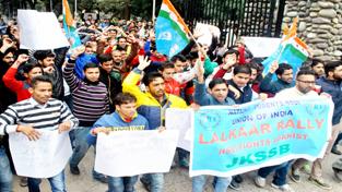 Students raising slogans during 'Lalkaar Rally' at Jammu on Monday. -Excelsior/Rakesh