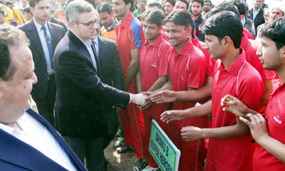 Former Chief Minister Omar Abdullah interacting with the players during the inaugural ceremony of Maruti Suzuki Nagrota Premier League Cricket Tournament at Bajalta on Sunday. –Excelsior/Rakesh