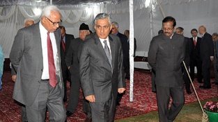 Governor N N Vohra discussing a point with Chief Justice of India at Raj Bhavan.