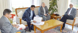 Governor reviews NFSA, stresses early ration distribution to 20 lakh new beneficiaries