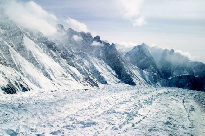 Avalanche hit southern glacier; one jawan missing, another retrieved