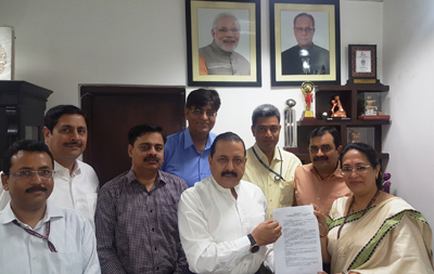 "Union Minister Dr Jitendra Singh receiving a memorandum from a delegation of All-India Civil Service Officers representing ""Confederation of Civil Service Associations"" at New Delhi."