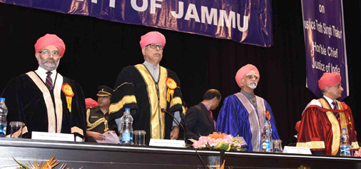 Vice President M Hamid Ansari, Governor N N Vohra, Chief Justice of India, Justice T S Thakur and JU Vice-Chancellor Prof R D Sharma at 16th Convocation of JU on Saturday. —Excelsior/Rakesh