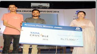 MIET team receiving cash prize for winning Tata Crucible Quiz.