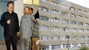 Principal Secretary to CM, Navin Chaudhary inspecting arrangements for Darbar Move.