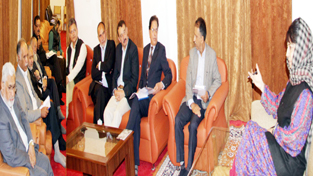 Chief Minister, Mehbooba Mufti interacting with KCCI delegation at Srinagar on Wednesday.