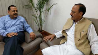 J&K Minister for Rural Development, Panchayati Raj and Law & Justice, Abdul Haq Khan calling on Union Minister Dr Jitendra Singh at New Delhi.