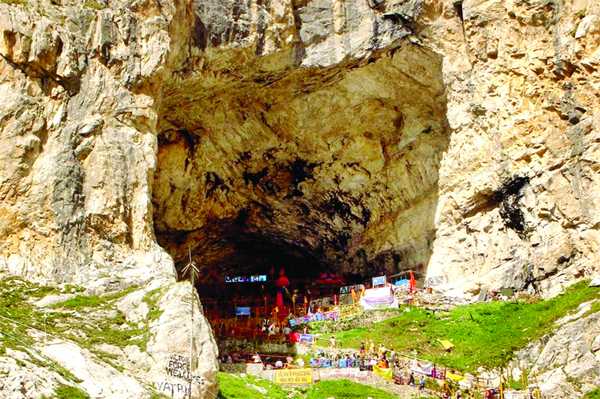 Fresh batch of pilgrims leave for Amarnath Yatra from Jammu