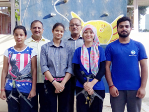 Woman Sport Climbing team posing before its departure to New Delhi.