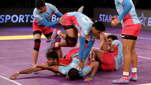 Players in action during a Kabaddi Match.