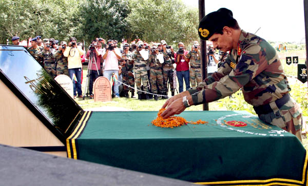 Chief of the Army Staff Gen Dalbir Singh paying homage to the martyrs of Operation Vijay on the occasion of the 17th Kargil Vijay Diwas celebrations at War Memorial, Drass in Kargil on Monday. (UNI)