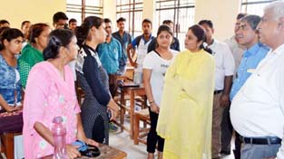Minister of State for Education and Technical Education Priya Sethi reviewing progress on counselling under PMSSS.