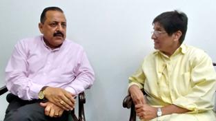 Lieutenant Governor of Puducherry, Kiran Bedi calling on Union Minister Dr Jitendra Singh, at New Delhi on Thursday.