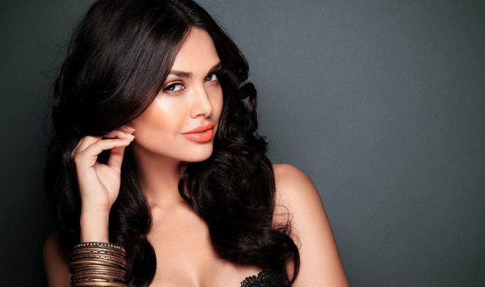 I was not sure about playing a negative character: Esha Gupta
