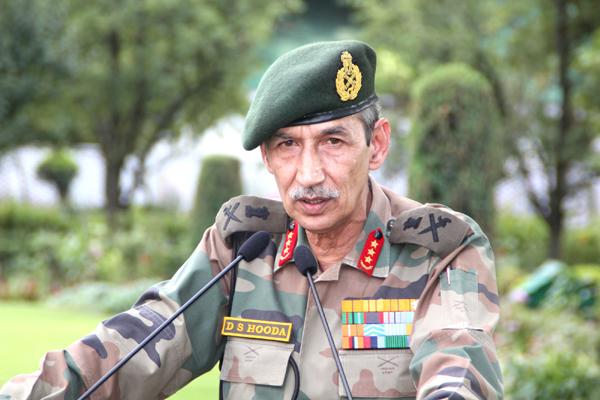 GOC-in-C Northern Command Lt Gen DS Hooda addressing a press conference in Srinagar. —Excelsior/Shakeel