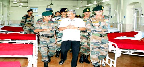Defence Minister Manohar Parrikar and Army chief Gen Dalbir Singh inquiring condition of the injured in Army hospital on Sunday.