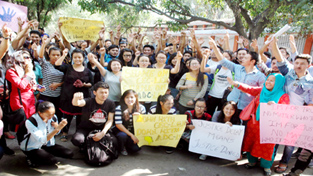 Ladakhi students raising slogans during protest at Jammu on Sunday.    -Excelsior/ Rakesh