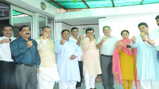 Suresh Chavhanke, Speaker Kavinder Gupta, MoS Priya Sethi & others during meeting at Jammu.