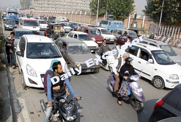 Srinagar streets witnessing heavy rush of private vehicles despite separatist shutdown on Monday.Excelsior\Shakeel-ul-Rehman