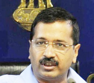 Unfazed by EC complaint, Kejriwal asks voters to accept money from parties