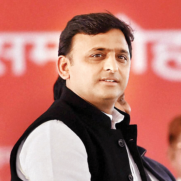 Akhilesh not averse to alliance with Cong in UP polls
