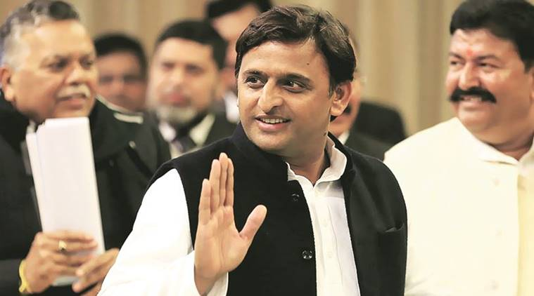 Akhilesh camp submits to EC affidavits signed by MPs & MLAs