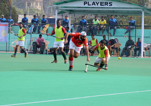 Players in action during 65th All India Police Hockey Championship at KK Hakhu Astroturf Stadium in Jammu. –Excelsior/Rakesh