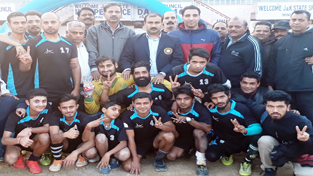 Footballers posing alongwith chief guest Ranjeet Kalra, Vice Chairman J&K Sports Council and other dignitaries in Jammu on Tuesday.
