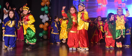 Little stars of DRS Kids Bantalab presenting cultural item while celebrating 3rd Annual Day on Friday.