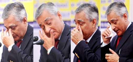 CJI Justice T S Thakur turns emotional several times during his address at Central Basic School, Jammu on Saturday. — Excelsior/Rakesh