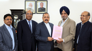 A national level delegation of Confederation of Indian Industries (CII) handing over a memorandum to Union Minister Dr Jitendra Singh, at New Delhi.
