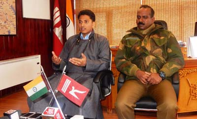 DC Leh Prasanna Ramaswamy and SSP Leh Uday Bhaskar Billa at a press conference in Leh on Thursday. -Excelsior/Stanzin