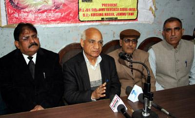 Piran Ditta interacting with media persons at Jammu on Saturday.