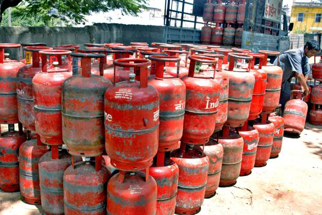 NEW DELHI: The price of non-subsidised cooking gas (LPG) was hiked by a steep Rs 86 per cylinder today, reflecting international trends. Non-subsidised LPG, bought by those who have either given up their subsidies or exhausted the quota of 12 bottles of 14.2-kg in a year at below market price, will now cost Rs 737.50. It was priced at Rs 651.50 per 14.2-kg cylinder till yesterday, according to state-owned oil companies. The hike, steepest in the history, comes on back of Rs 66.5 per cylinder increase effected from February 1. Rates have been on the upswing since October, 2016. A non-subsidised LPG cylinder was priced at Rs 466.50 in Delhi in September and has risen by Rs 271 per bottle or 58 per cent in six instalments. Oil firms also raised price of subsidised cooking gas by a marginal 13 paisa to Rs 434.93 per 14.2-kg cylinder. This follows a 9 paise increase effected from February 1. (AGENCIES)