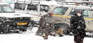 Fresh snowfall in Kashmir;  NH closed, air traffic disrupted